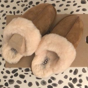 NWT Chestnut Ugg Slippers